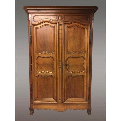 armoire ancienne avec rosace
