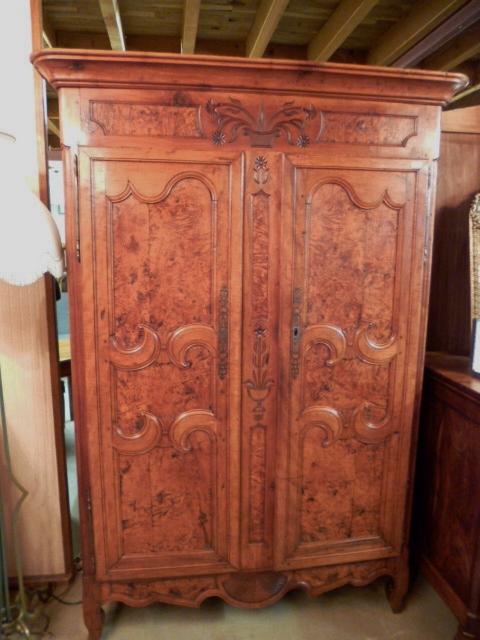 armoire ancienne bressane