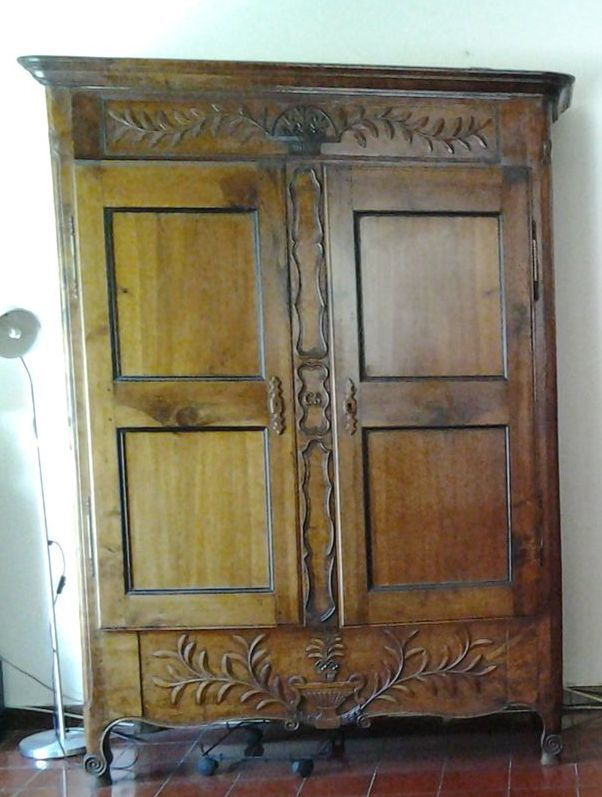 A Vendre Armoire Ancienne Bright Shadow Online