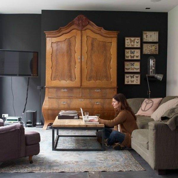 armoire ancienne dans un sejour