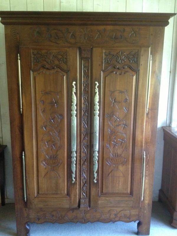 armoire ancienne en chataignier