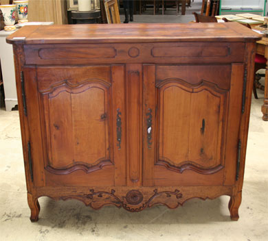 buffet ancien style louis xv le specialiste du meuble ancien. Black Bedroom Furniture Sets. Home Design Ideas