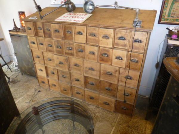 meuble ancien de pharmacie bois