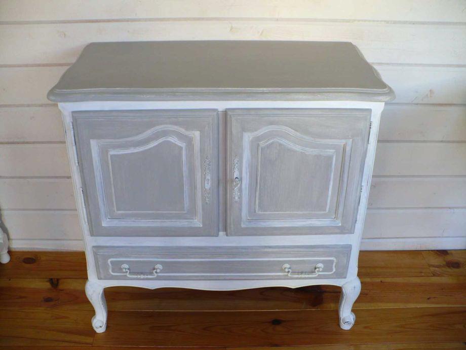 meuble ancien gris et blanc