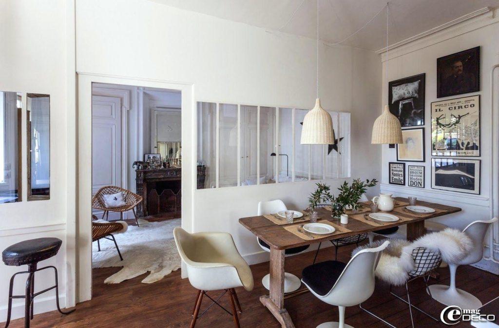 table ancienne avec chaise moderne - Le specialiste du ...