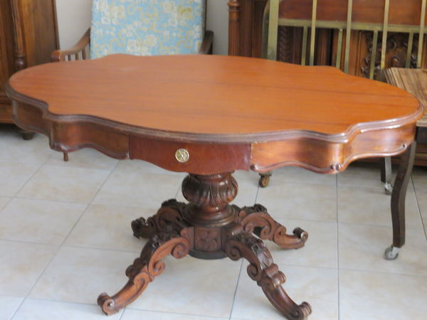 table ancienne ovale pied central
